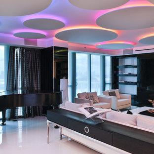 Idee per un grande soggiorno contemporaneo aperto con sala formale, pareti bianche, pavimento in marmo e parete attrezzata