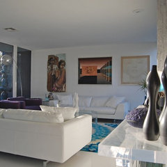 modern living room by Dana Nichols