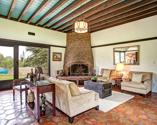 San diego living design ideas remodels photos with a brick fireplace surround houzz for Terracotta living room ideas