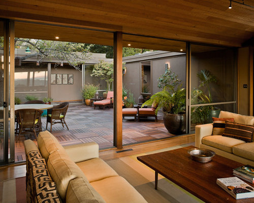 Modern Southwest Courtyard Design Ideas & Remodel Pictures | Houzz