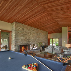 Midcentury Living Room by Ann McCulloch Studio