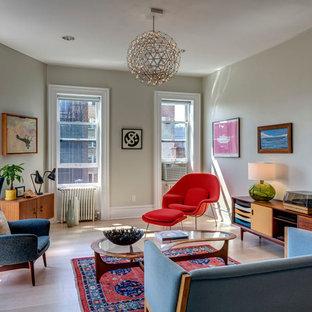 Ispirazione per un soggiorno minimalista di medie dimensioni con sala formale, pareti grigie, parquet chiaro, nessun camino e nessuna TV