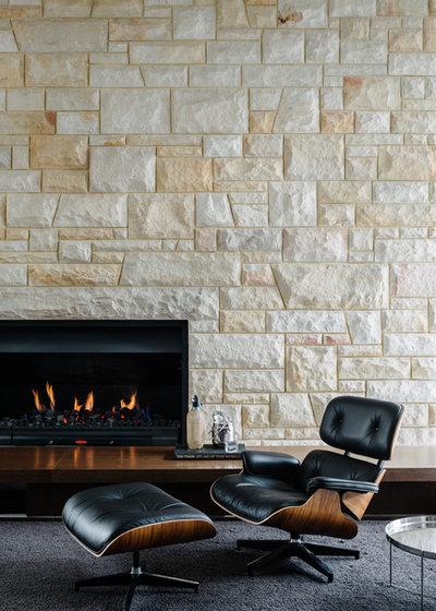 Midcentury Living Room by Kim Pearson Pty Ltd