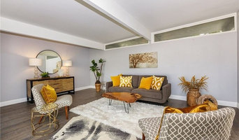 Midcentury Transitional Home Stage