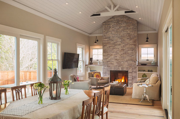 Farmhouse Living Room by Richardson Architects