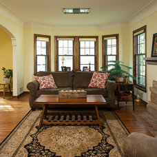 Traditional Living Room by DURST & GANS BUILDING CORP