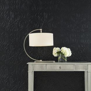 Inspiration pour un salon style shabby chic avec un mur noir.