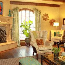 Traditional Living Room by Custom Drapery Designs, LLC.