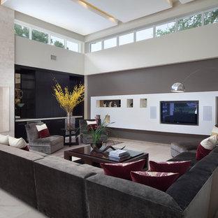 Salon avec un sol en marbre et un téléviseur encastré : Photos et ...