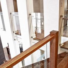 Contemporary Living Room by Constructions F. Pichette et fils 2007 Inc.
