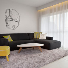 Modern Living Room by dana shaked