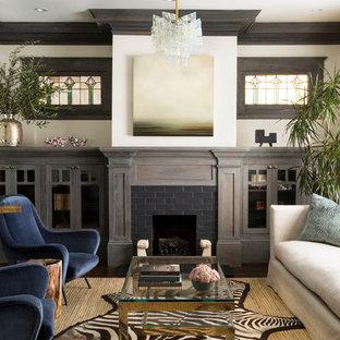 Idéer för ett klassiskt separat vardagsrum, med vita väggar, mörkt trägolv, en spiselkrans i tegelsten, ett finrum och en standard öppen spis