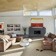 Modern Living Room by ZeroEnergy Design