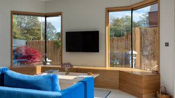 Modern extension with frameless corner picture windows