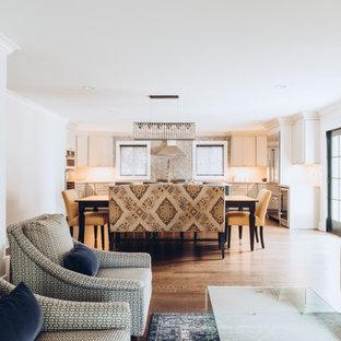 Ejemplo de salón abierto y casetón, moderno, de tamaño medio, con paredes grises y suelo de madera oscura