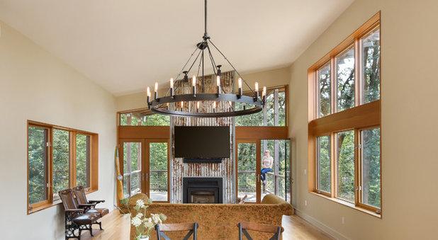 Farmhouse Living Room by m.o.daby design
