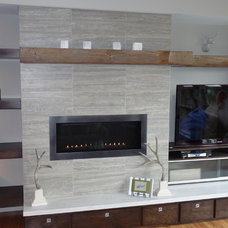 Contemporary Living Room by R Henry Construction Inc.