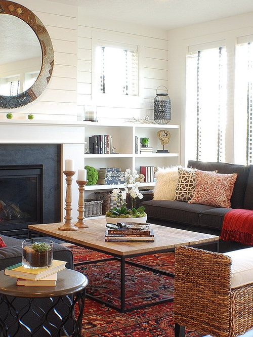 Farmhouse living room design ideas remodels photos houzz for Farmhouse fireplace decor