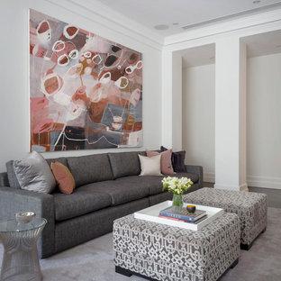 Imagen de salón para visitas abierto, contemporáneo, extra grande, con paredes blancas, moqueta, chimenea tradicional, marco de chimenea de yeso, televisor retractable y suelo rosa