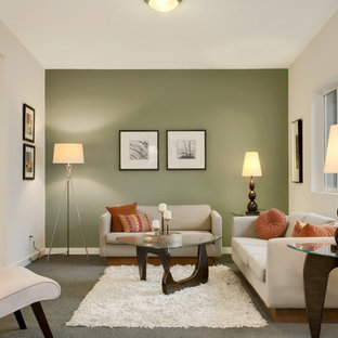 Abgetrenntes Klassisches Wohnzimmer mit grüner Wandfarbe in Seattle