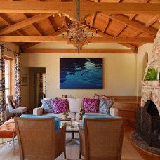 Mediterranean Living Room by Maria Di Grande