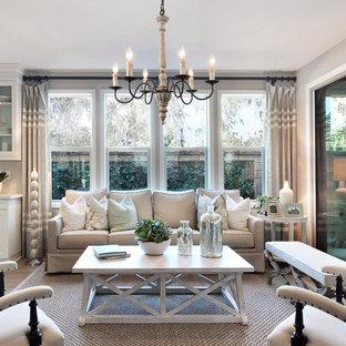 Свежая идея для дизайна: парадная, изолированная гостиная комната среднего размера в стиле современная классика с полом из фанеры, серыми стенами и бежевым полом - отличное фото интерьера