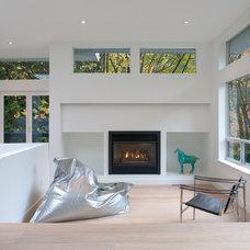 Modern Living Room by ah-design