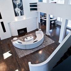 Modern Living Room by Atmosphere 360 Studio