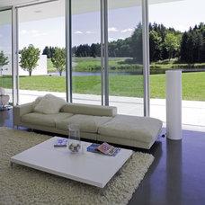 Modern Living Room by Bushman Dreyfus Architects
