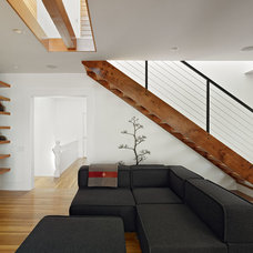 Modern Living Room by Neill and Lee Contractors