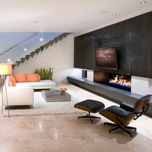 Idee per un soggiorno minimalista con camino lineare Ribbon e pavimento beige
