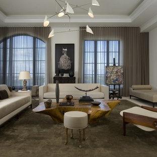 Foto di un soggiorno minimalista con pareti bianche
