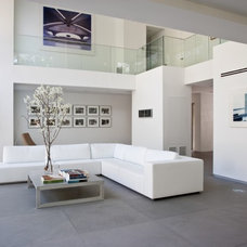 modern living room by Max Strang Architecture