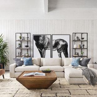 Ejemplo de salón con rincón musical tradicional renovado con paredes blancas, suelo de cemento y suelo gris