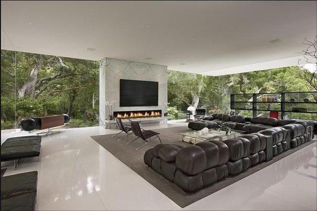 Modern Living Room by LEEN MJ