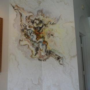 Foto di un soggiorno mediterraneo di medie dimensioni e aperto con pavimento con piastrelle in ceramica, pareti bianche e pavimento bianco