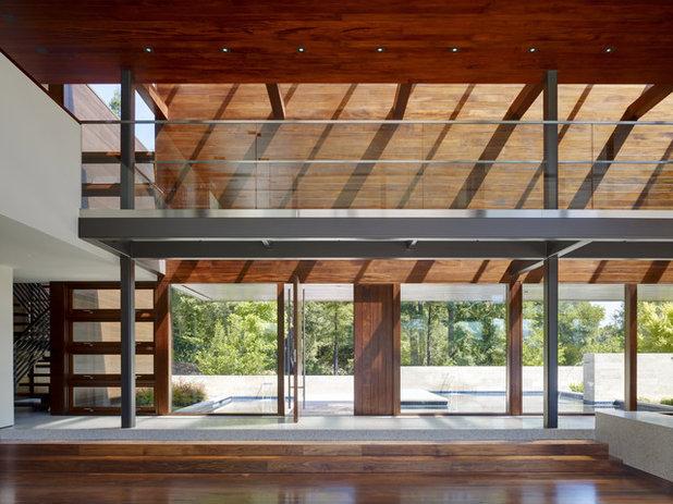 Modern Living Room by Lencioni Construction