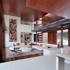 Modern Living Room by Lencioni Construction