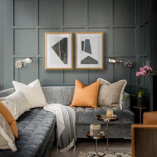 Inspiration för klassiska vardagsrum, med grå väggar