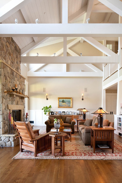 Farmhouse Living Room by Tom Meaney Architect, AIA