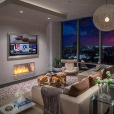 Modern Living Room by Mauricio Nava Design