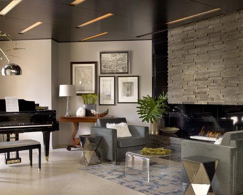 kleines wohnzimmer beige helle farbtöne dunkles sofa