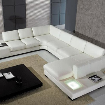Modern U-Shape Sectional Sofa in White Bonded Leather