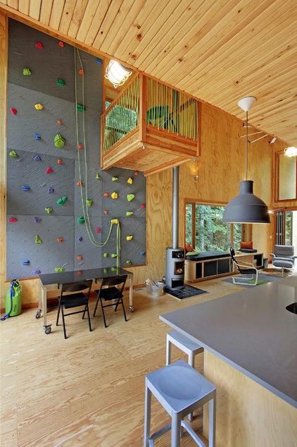 Rustic Living Room by H+dlT Collaborative, LLC