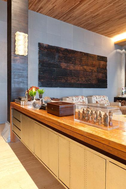Contemporary Living Room by Eduarda Correa Arquitetura & Interiores
