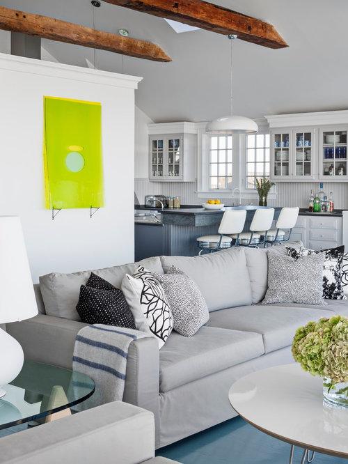 wohnzimmer mit h ngekamin und gebeiztem holzboden ideen design bilder beispiele. Black Bedroom Furniture Sets. Home Design Ideas