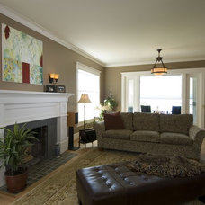 Traditional Living Room by Urban Arcadia Builders Inc
