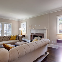 traditional living room by Blake Shaw Homes, Inc
