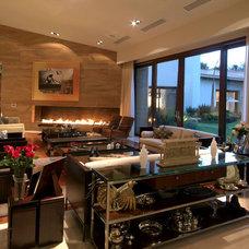 Contemporary Living Room by Aurelio Vazquez