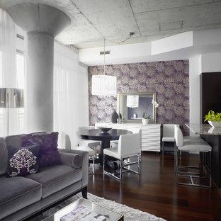 Diseño de salón actual con paredes púrpuras